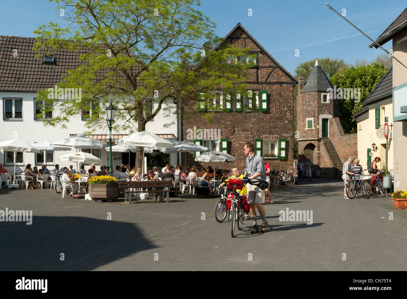 Maler Dormagen Feste Zons Stock Photos & Feste Zons Stock Images - Alamy