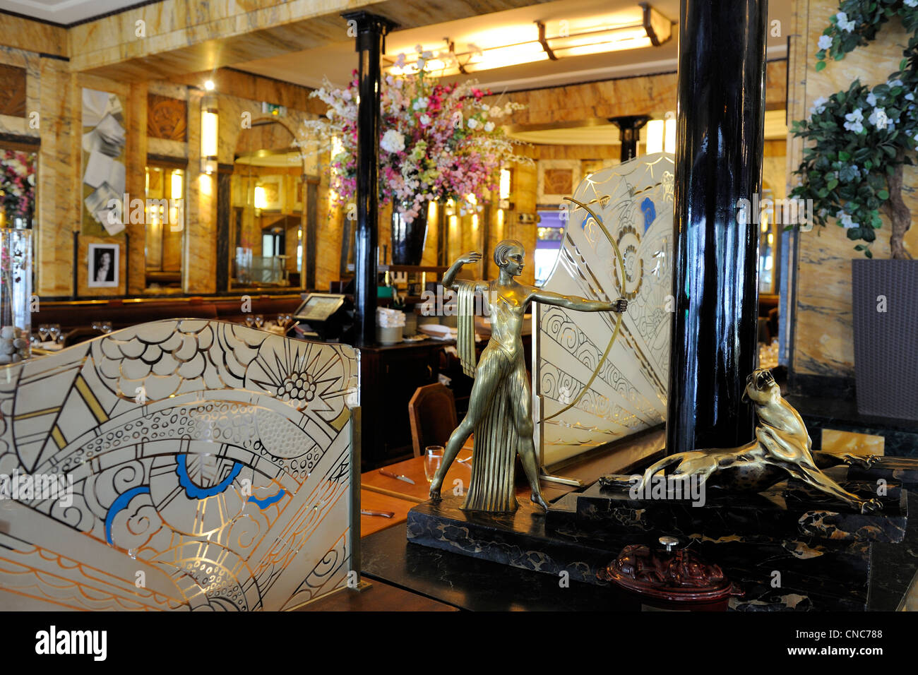 Arts Deco Paris Art Deco Paris Stock Photos Art Deco Paris Stock Images Alamy