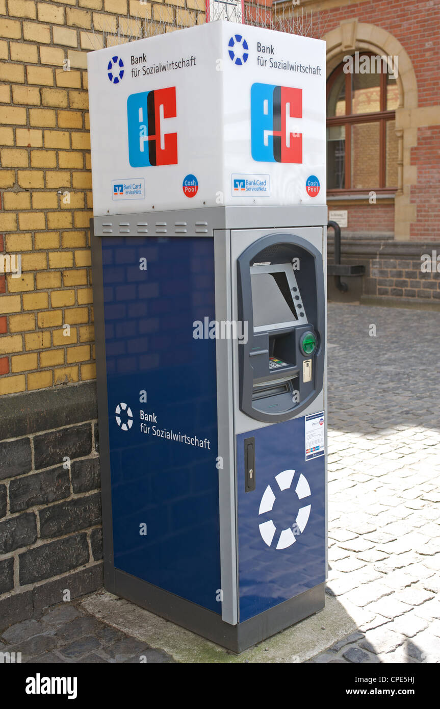 Cash Pool Flughafen München Atm Cash Germany Stock Photos Atm Cash Germany Stock Images Alamy