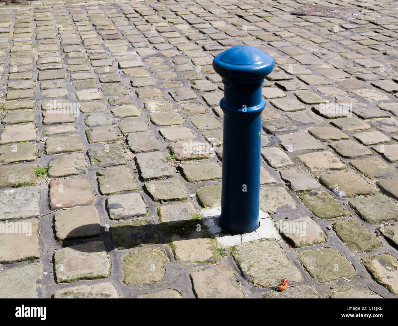 Vintage Sideboard Cornwall Cobbled Road Stock Photos & Cobbled Road Stock Images - Alamy