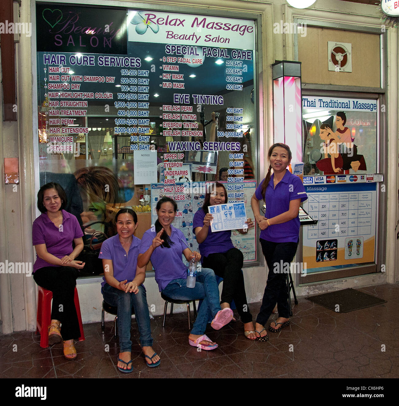 Salon Massage Thai Foreign Tourists Receive Massage In Public On Khao San Road Relax