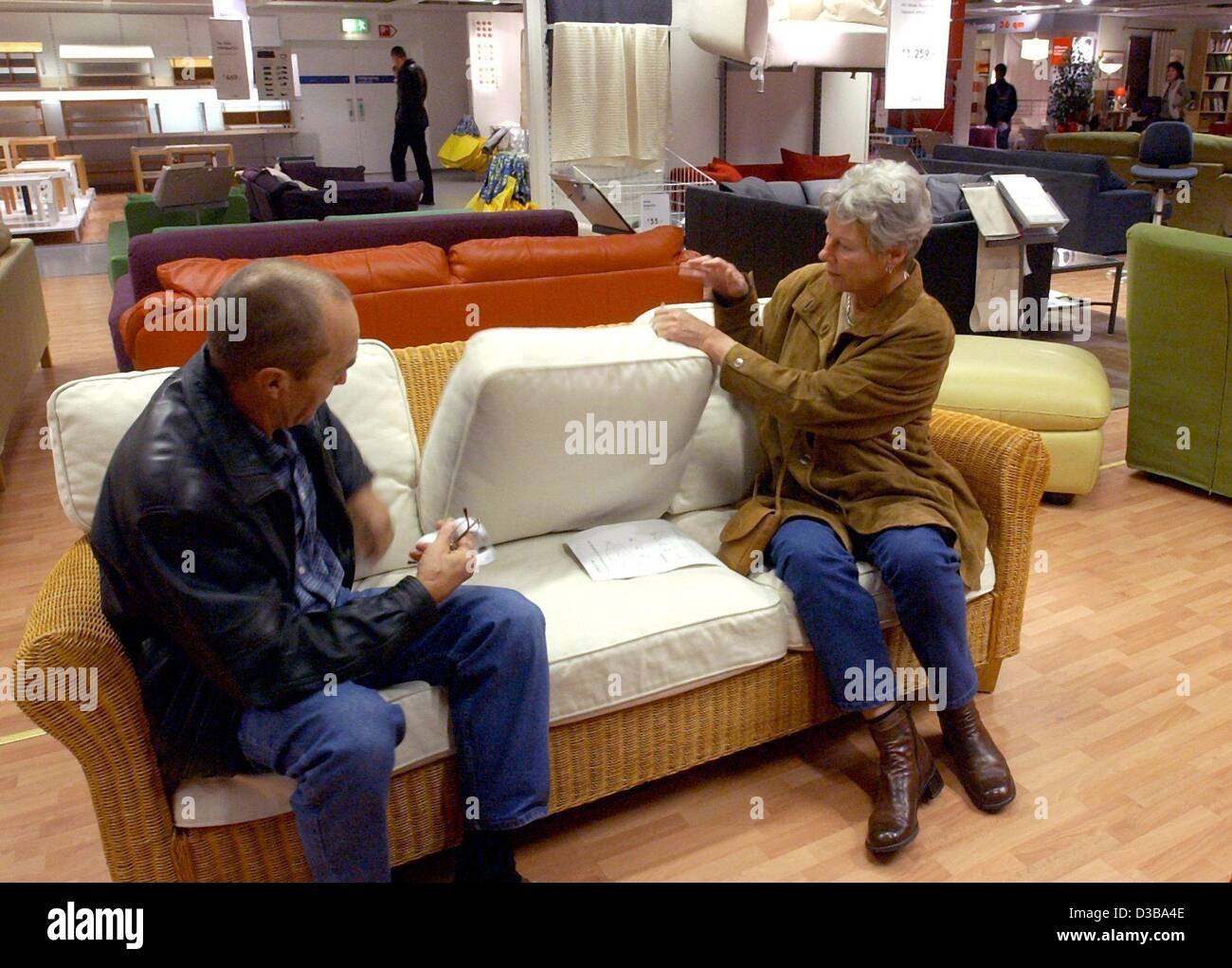 Ikea Köln Sofa Ikea Customers Stock Photos Ikea Customers Stock Images Alamy