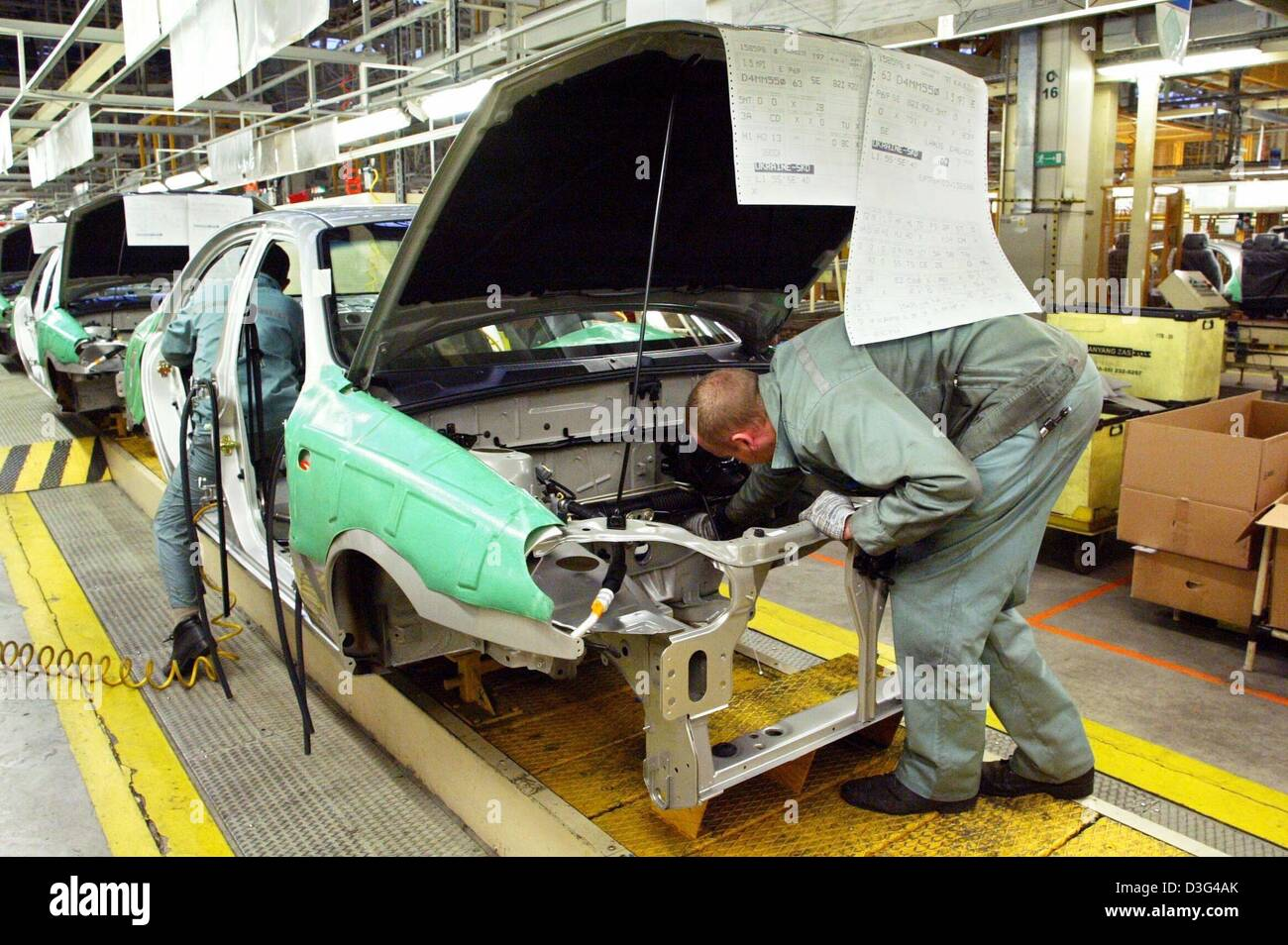 Factory Manufacturer Parts Dpa Workers Assemble Car Body Parts In A Factory Of The