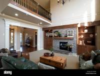 Large, bright family room with vaulted ceiling and ...
