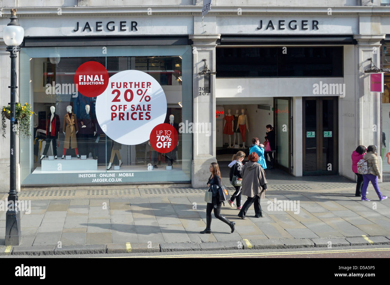 Möbel Jäger Online Shop Regent Street Fashion Store Jaeger Shop Front Window With
