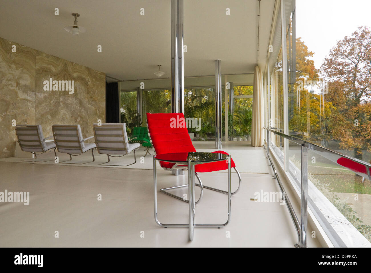 Mies Van Der Rohe Sessel Villa Tugendhat Mies Van Der Rohe Red Chair Stock Photo 55202766