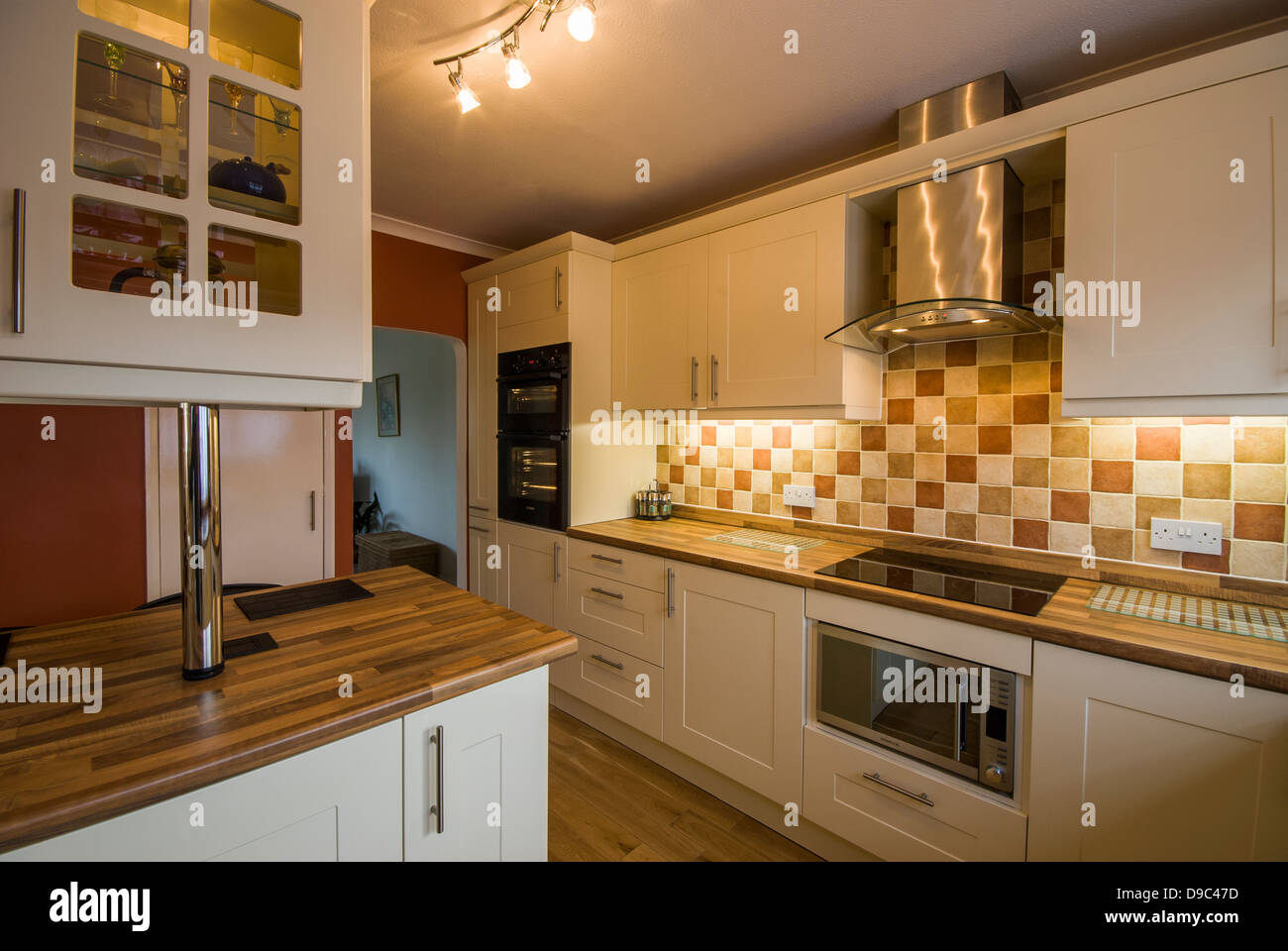 Granit Arbeitsplatte Ivory Brown Tiled Worktops Stock Photos Tiled Worktops Stock Images Alamy