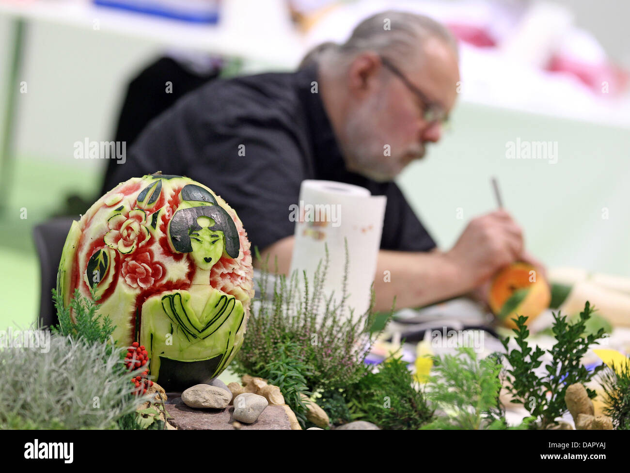 Vegetable carving for competition - Download