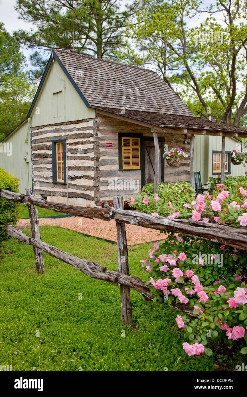 Cottage Haus A Small Cottage At The Peach Haus In Fredericksburg Texas Usa