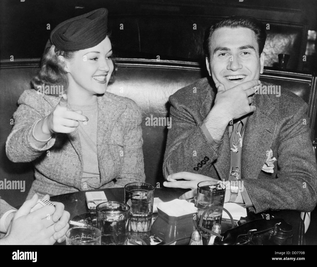 Artie Shaw Marriages Actress Betty Grable And Bandleader Artie Shaw On A Date Oct 12