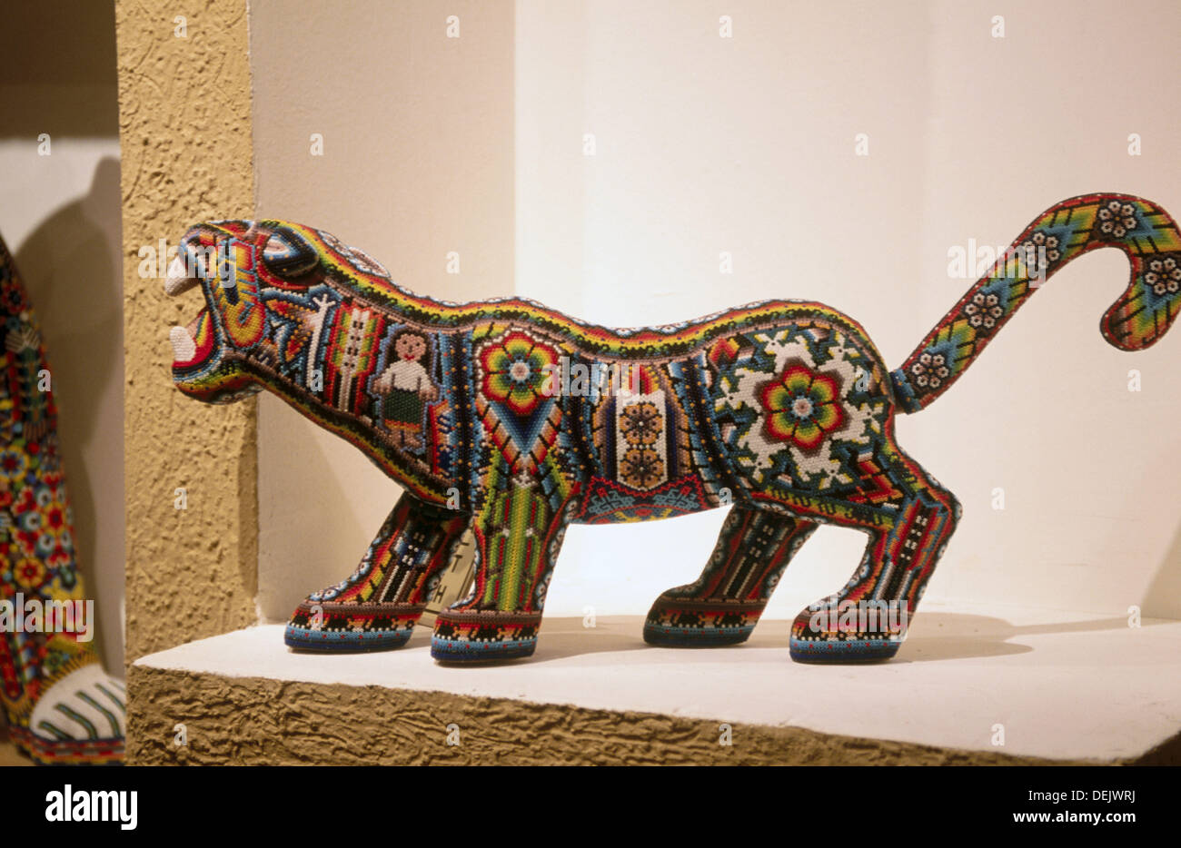 Arte Huichol For Sale Huichol Art Stock Photos Huichol Art Stock Images Alamy