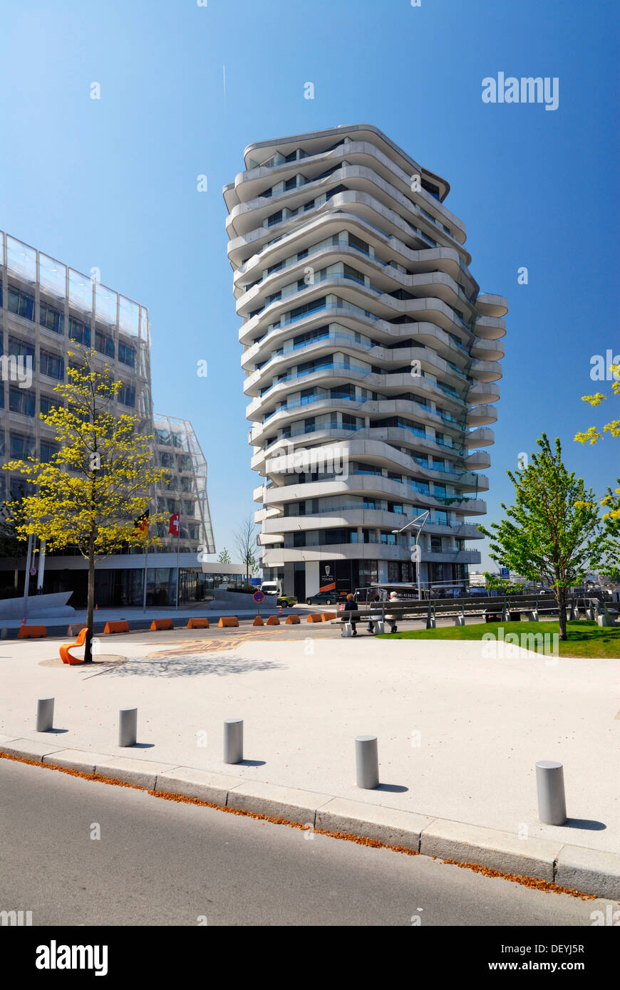 Marco Polo Tower The Apartment Building Marco-polo-tower, Strandkai Quay, Hafencity Stock Photo - Alamy