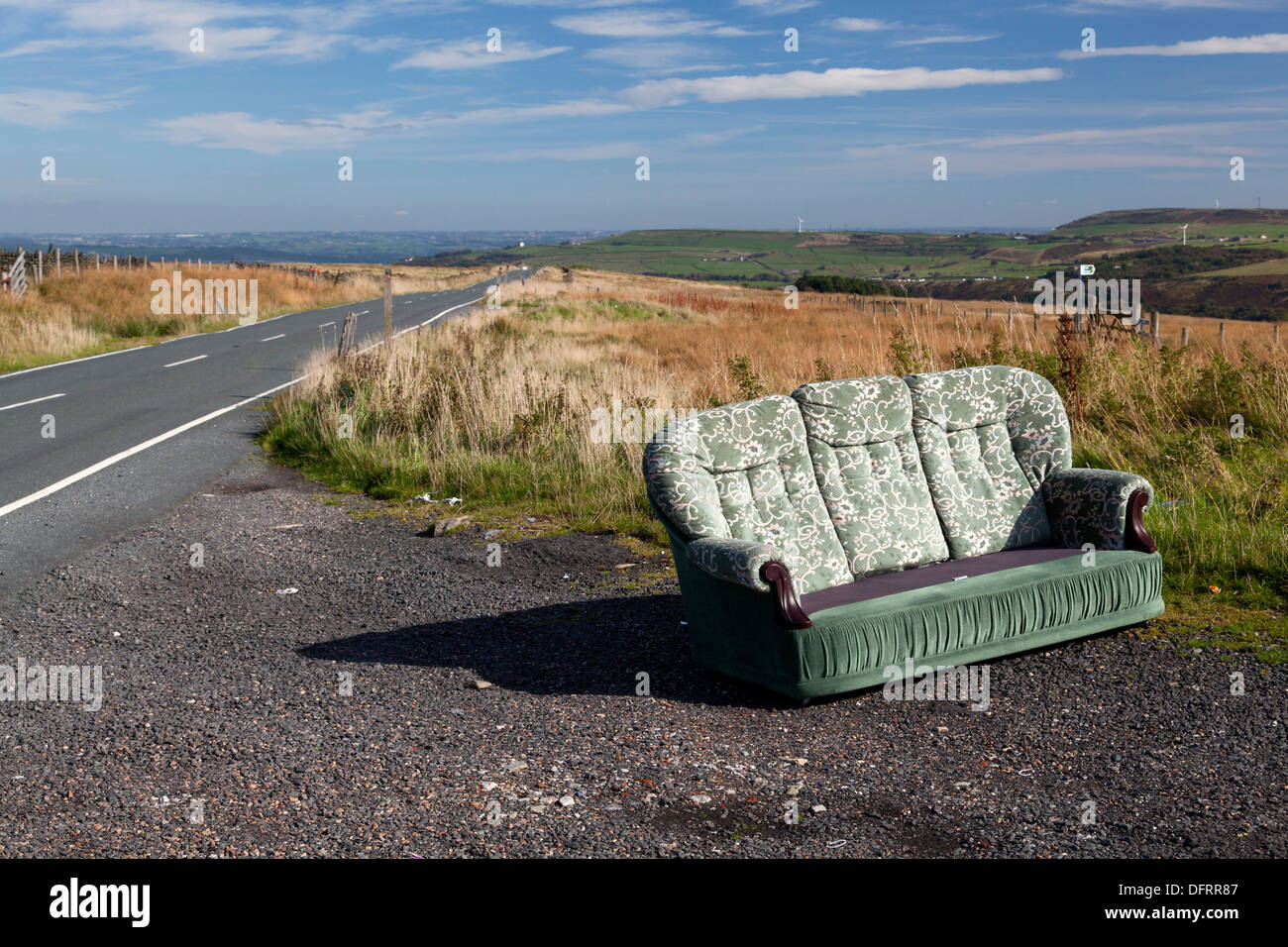 Settee Yorkshire Dumped Sofa Stock Photos Dumped Sofa Stock Images Alamy