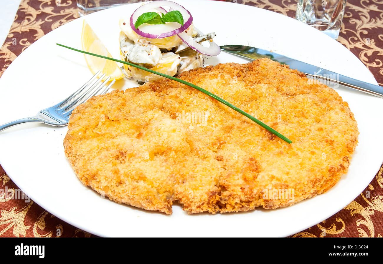 Schnitzel Restaurant Schnitzel Vegetable Salad At Restaurant Stock Photo 62770236 Alamy