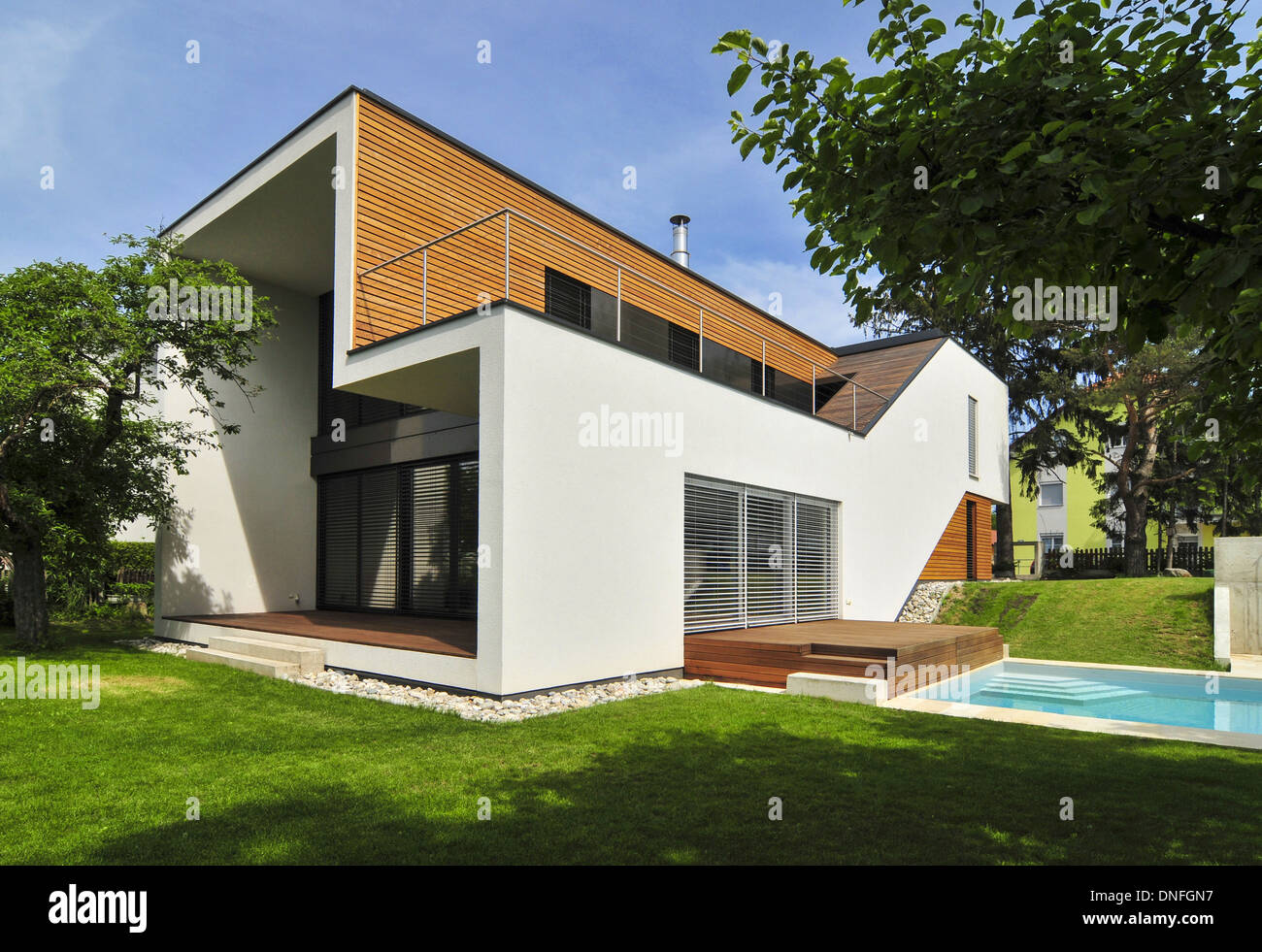 Holzhaus Wohnhaus Holzhaus Stock Photos Holzhaus Stock Images Alamy