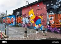Street art and graffiti tags - Homer Simpson using spray ...