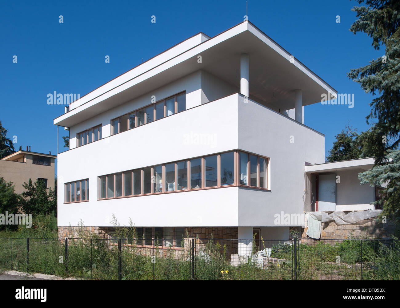 Bauhaus Villa Bauhaus Villa Stock Photos Bauhaus Villa Stock Images Alamy
