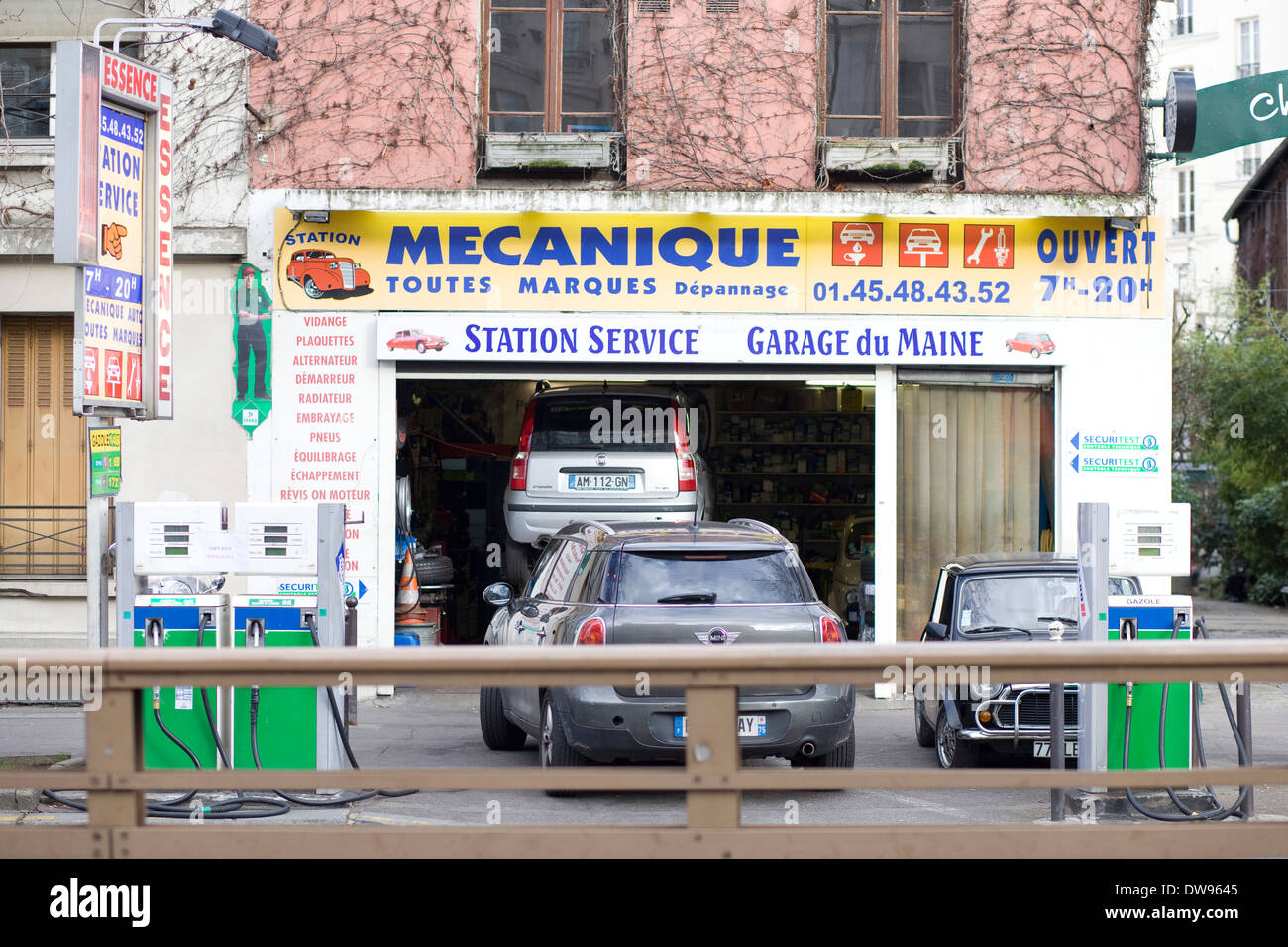 Garage Auto Paris Auto Service Garages Stock Photos Auto Service Garages Stock