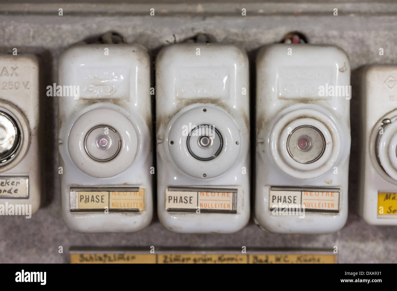 Old Electric Fuse Box Ivoiregion Style Saveenlarge Electrical