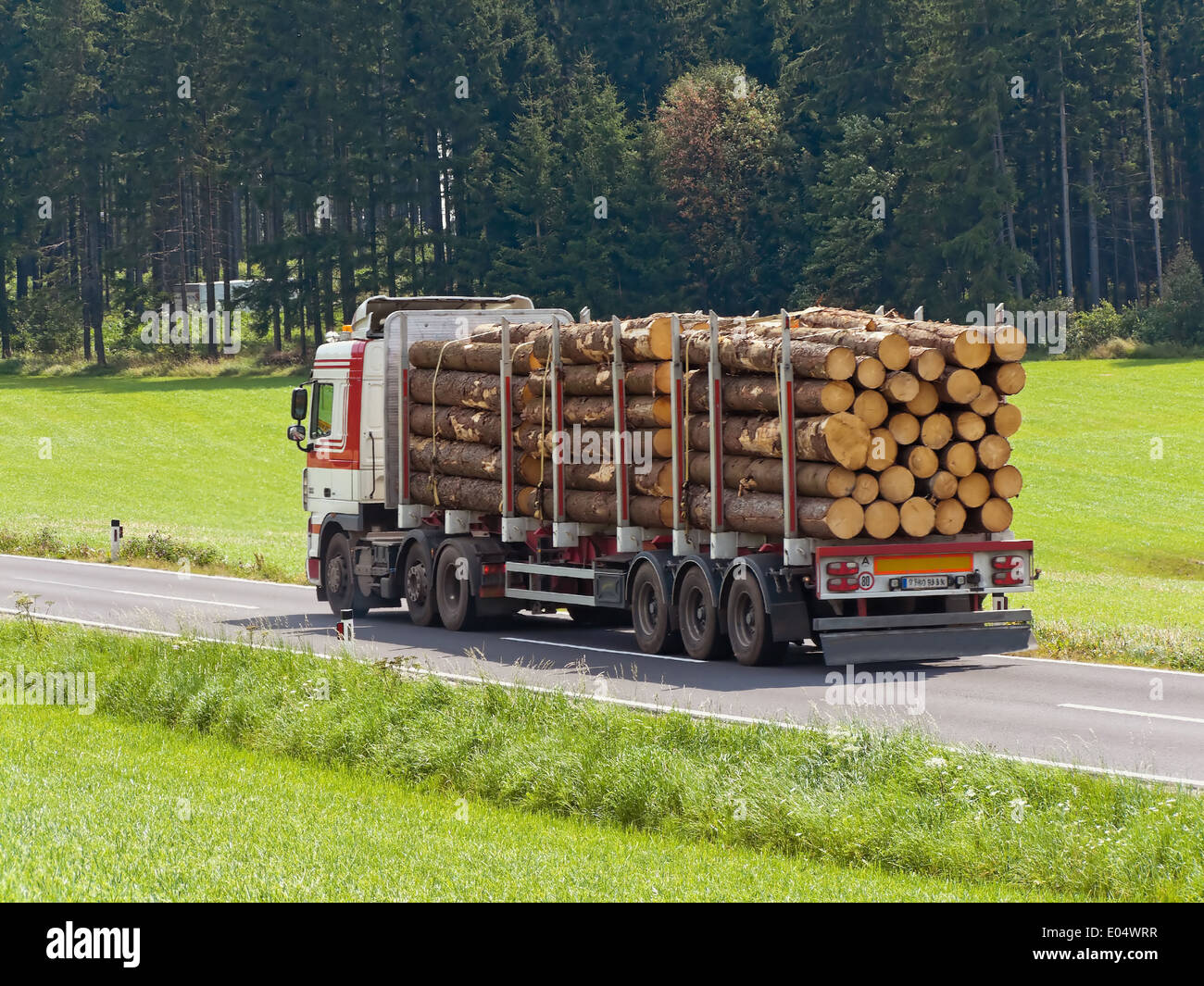 Holztransport High Resolution Stock Photography and Images - Alamy
