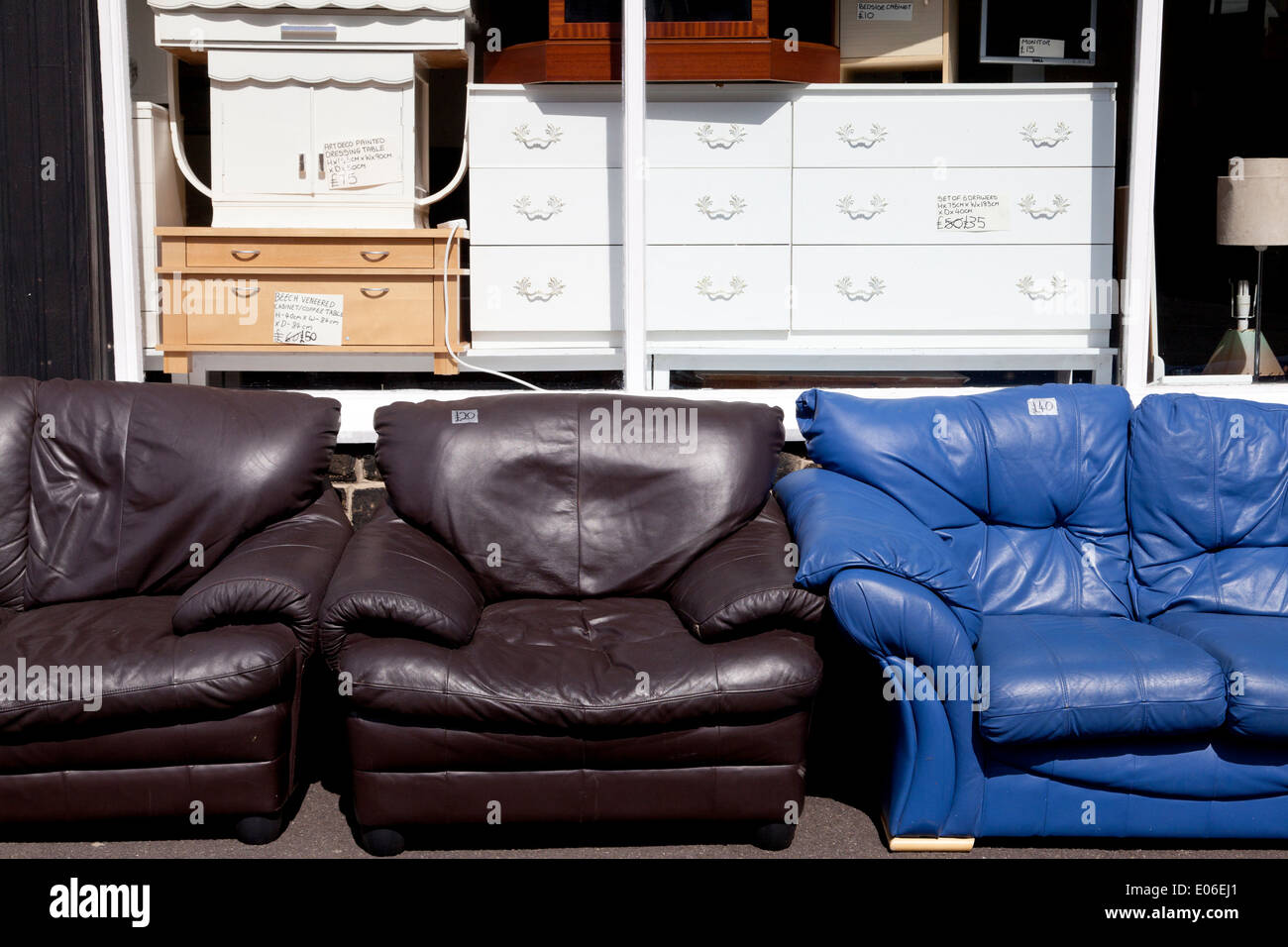 Outside Sofas High Resolution Stock Photography And Images Alamy