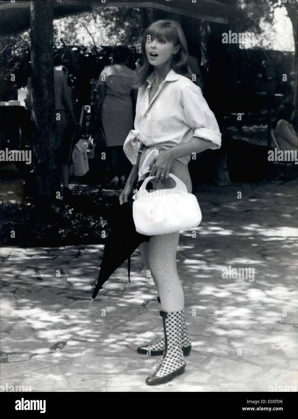 08 1966 red hair american star tina louise is filming in rome