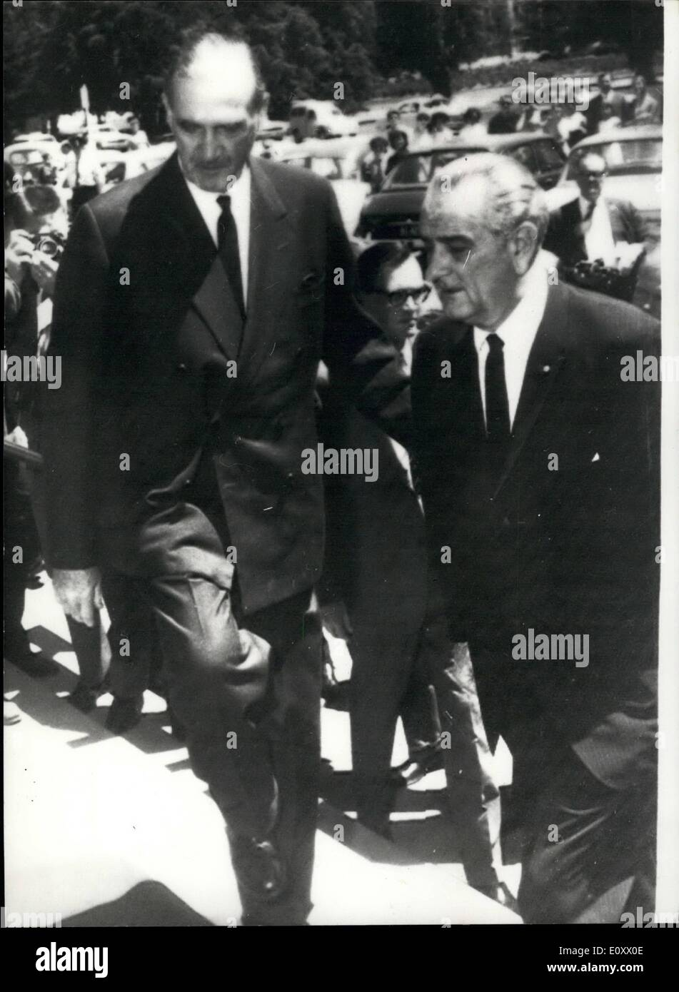 Canberra Today Dec 12 1967 President Johnson Arrives In Canberra To Attend