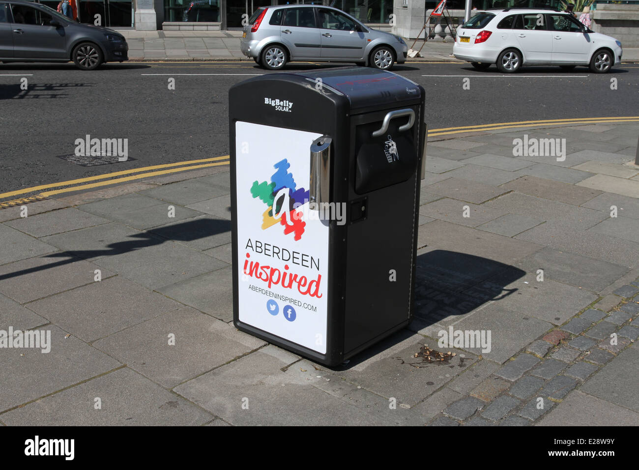 Big W Rubbish Bin Big Belly Stock Photos And Big Belly Stock Images Alamy