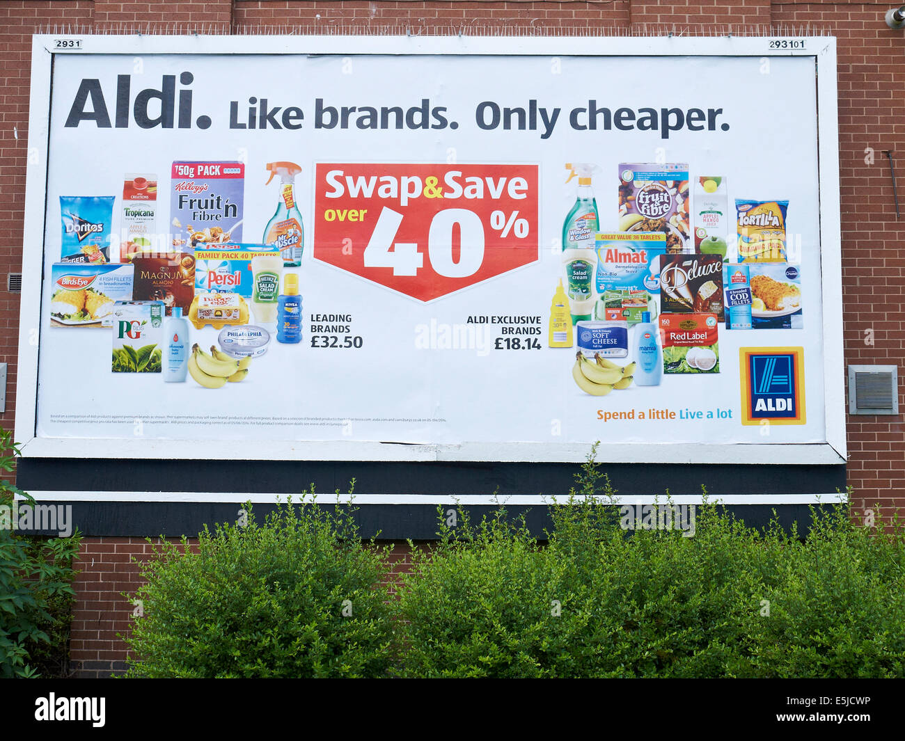 Aldi Reclame Aldi Billboard On Outside Wall Uk Stock Photo Royalty
