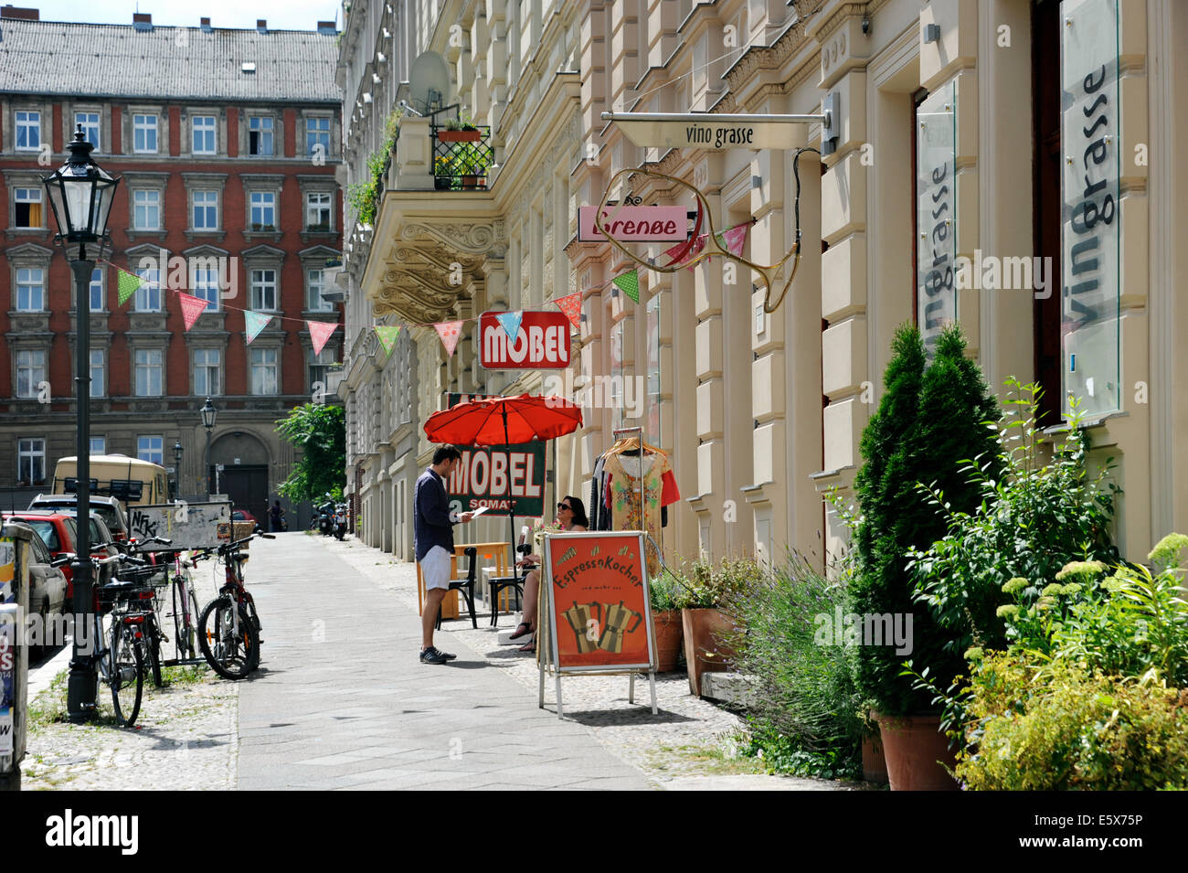 Bergmann Möbel Street Scene Kreuzberg Bergmann Kiez Berlin Germany Stock Photo