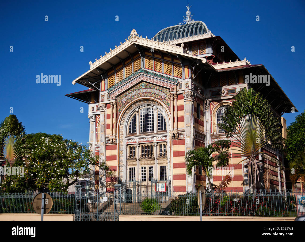 Photo De Bibliothèque Bibliotheque Stock Photos And Bibliotheque Stock Images Alamy