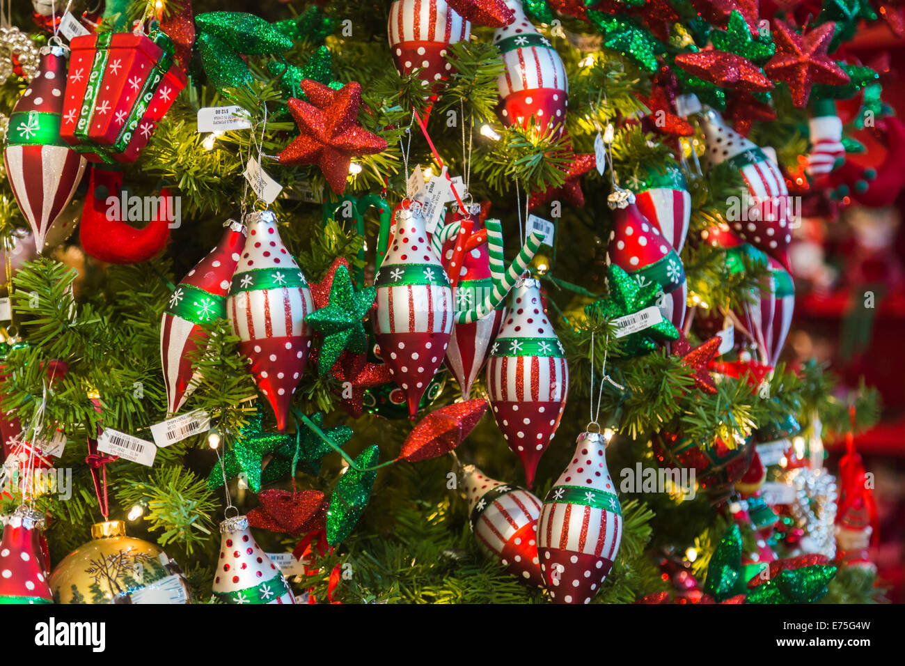 White christmas tree with red and green decorations -  Red Green And White Christmas Decorations On A Xmas Download