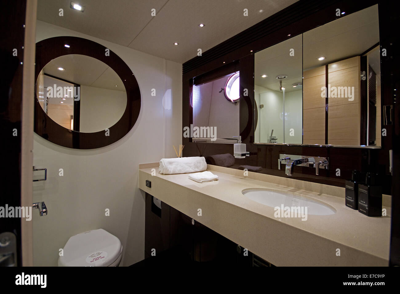 Yacht Badezimmer Super Yacht Interior Stock Photos Super Yacht Interior Stock