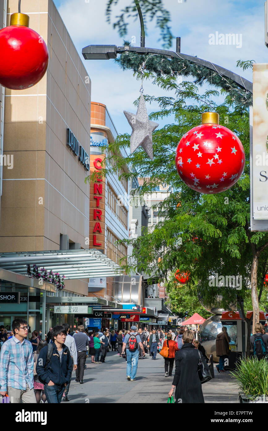 Light Shop Adelaide People Shopping For Christmas Holidays In Rundle Mall Adelaide