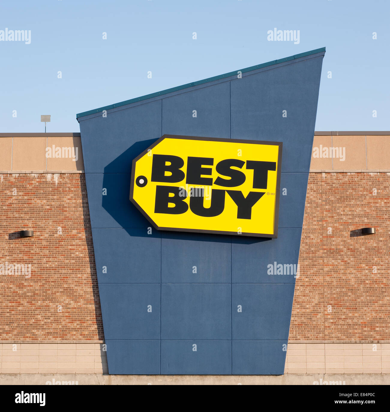 Dartmouth Canada Sept 28 2014 Best Buy Is An American Owned Retail  Electronicspany How To