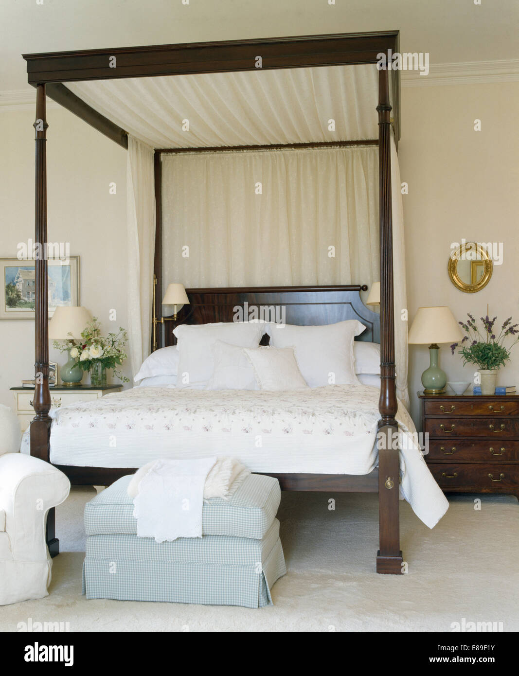 4 Post Bed White Cream Drapes On Dark Wood Four Poster Bed With White Linen