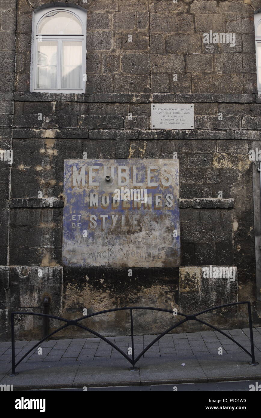 Stones Meubles Antique Placard Advertisement Sign At A Stone Wall Stonewall In