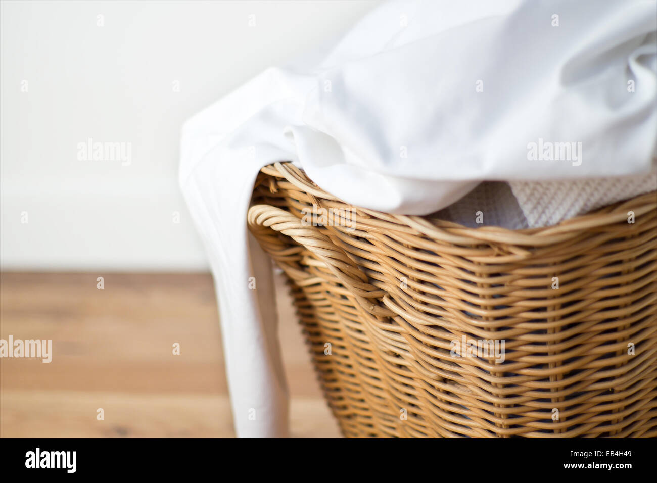 Closed Laundry Basket Woven Basket Laundry Stock Photos And Woven Basket Laundry