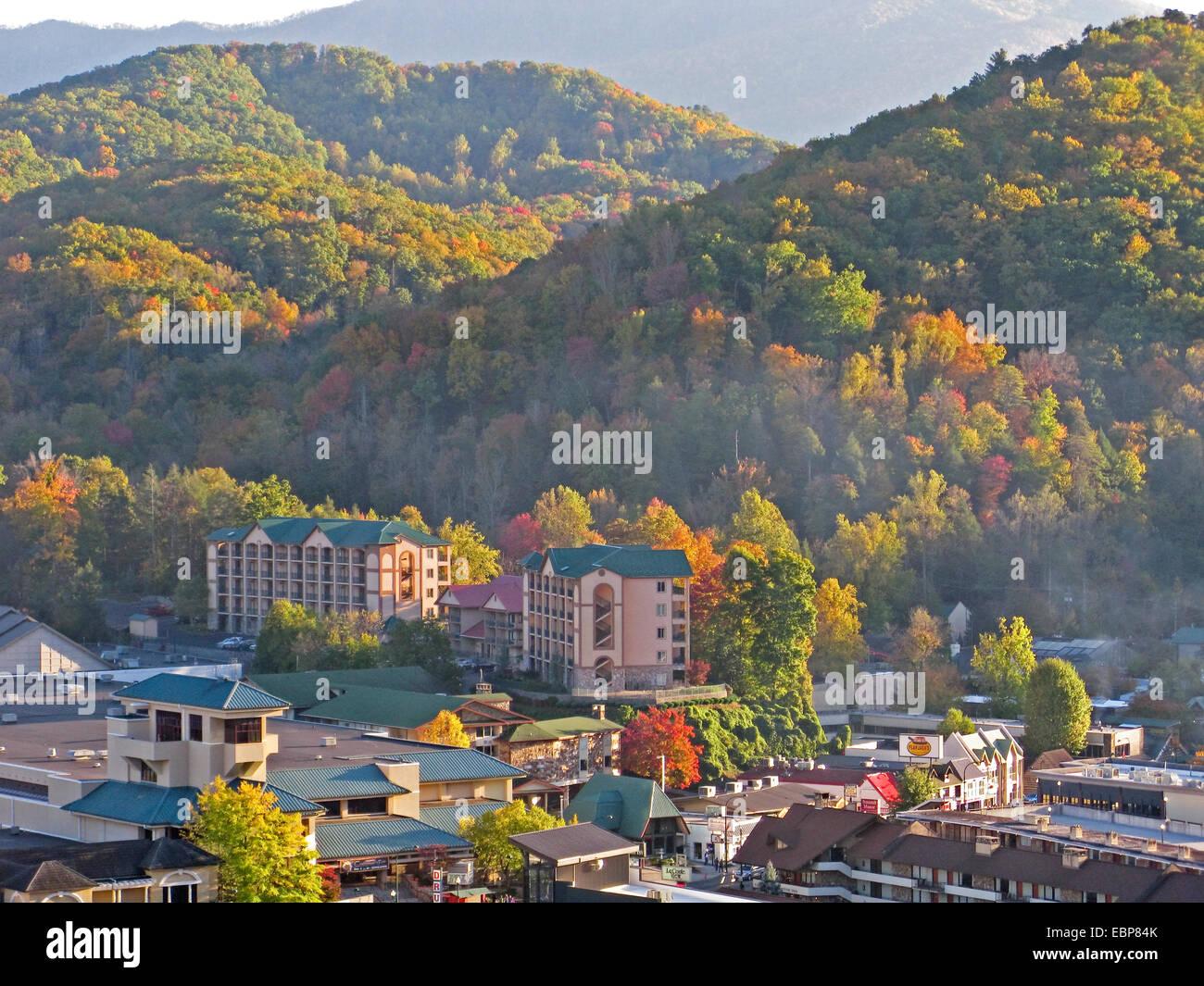 Smoky Mountains Fall Wallpaper Gatlinburg Tennessee Next To Great Smoky Mountains