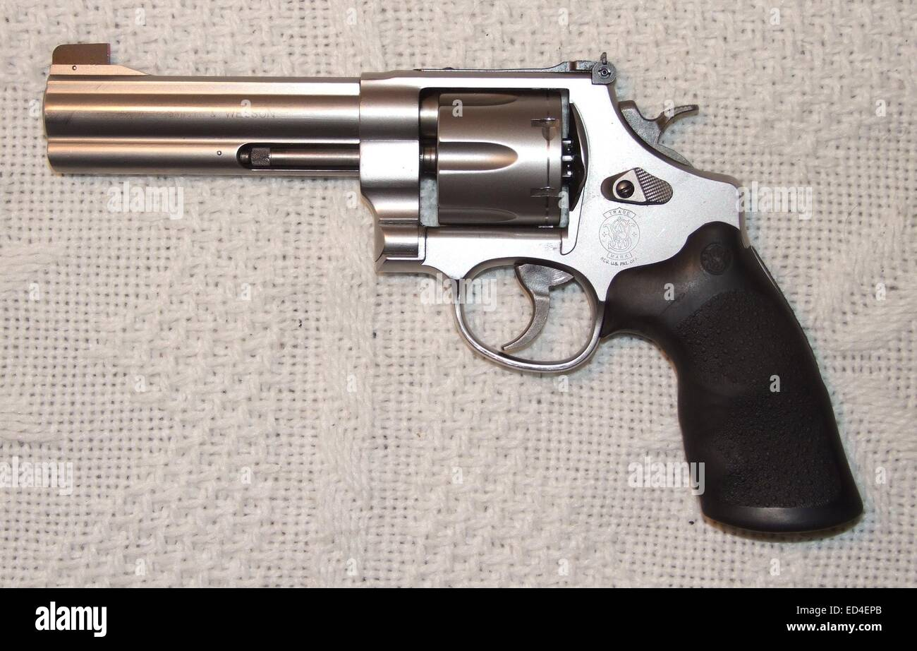 Calibre 45 Revolver Smith And Wesson 625 Caliber 45 Acp Stock Photo