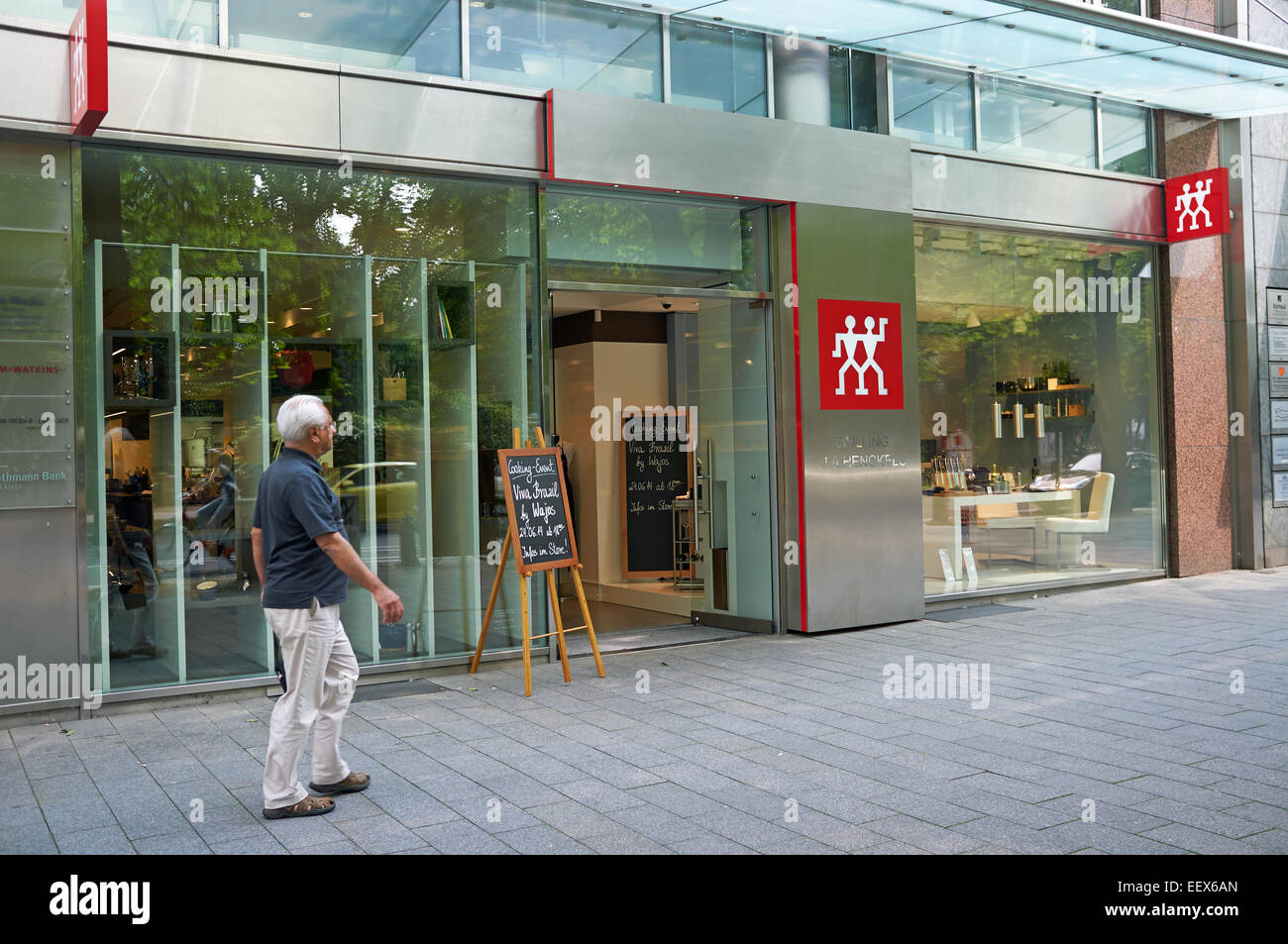 Zwilling Messer Fabrikverkauf Zwilling J A Henckels Store Dusseldorf Germany Stock Photo 78022413