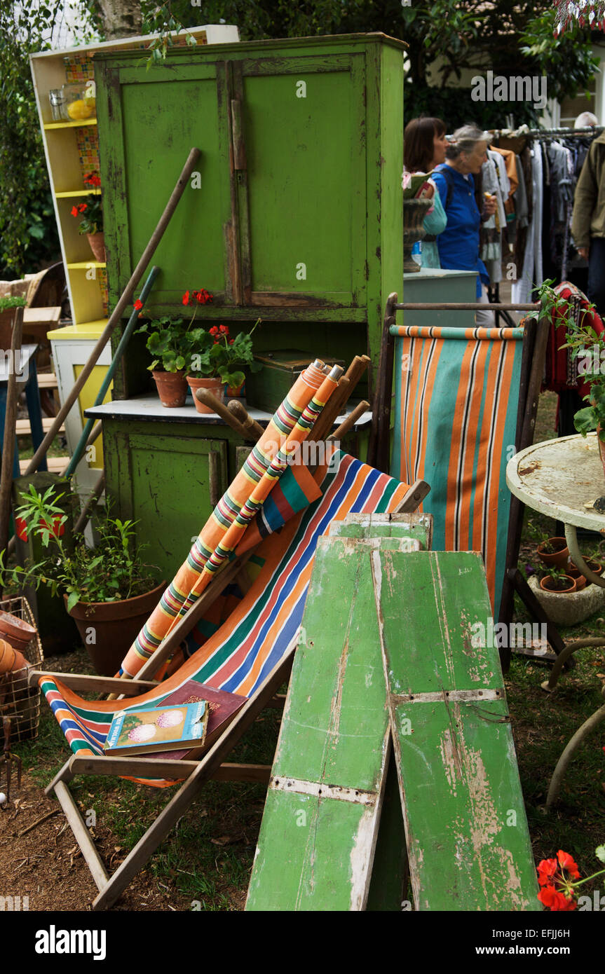 Furniture For Sale High Resolution Stock Photography And Images Alamy - Garden Furniture Clearance Taunton
