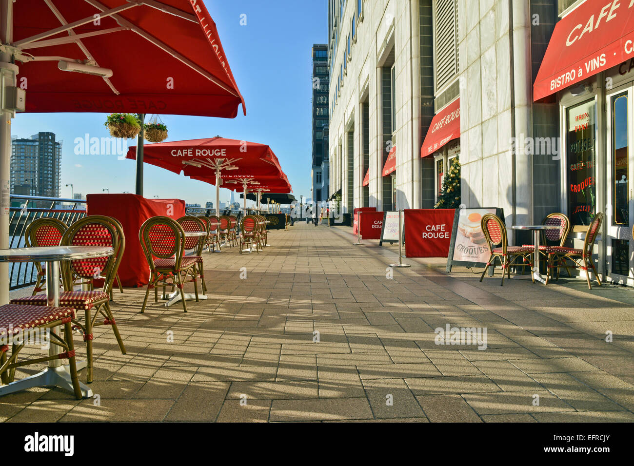 Roques Centre Commercial Couple Eating Out London Stock Photos Couple Eating Out London