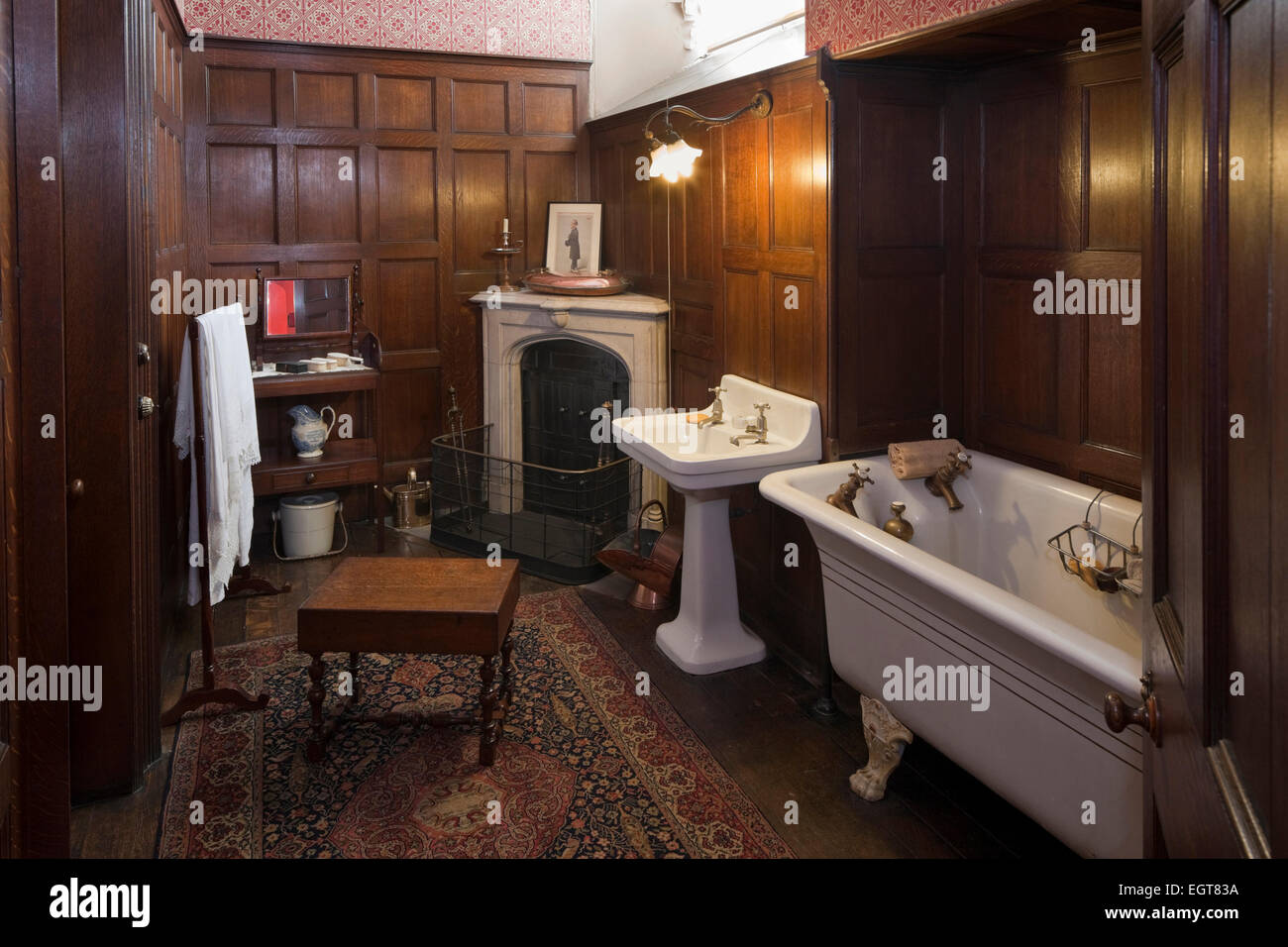 Wood Panelling Victorian High Resolution Stock Photography And Images Alamy