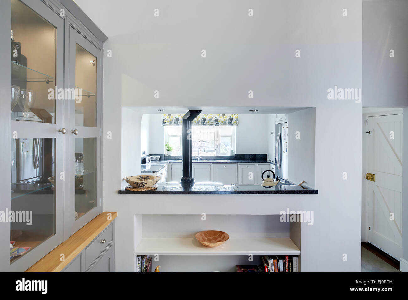 Küche Provence A Serving Hatch In A Modern Kitchen In A Home In The Uk
