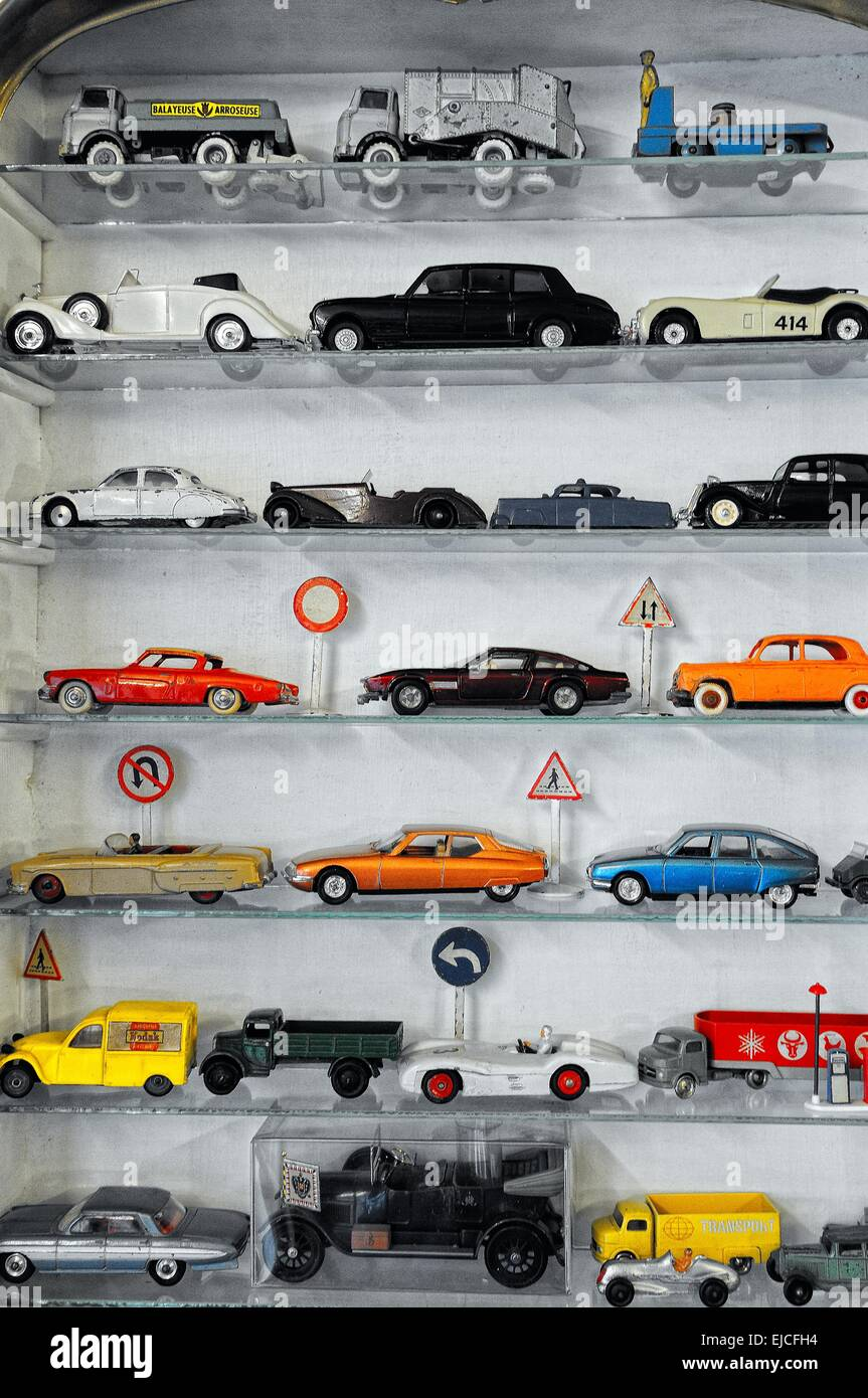 Cars Schrank Toy Cars In The Showcase Stock Photo 80180944 Alamy
