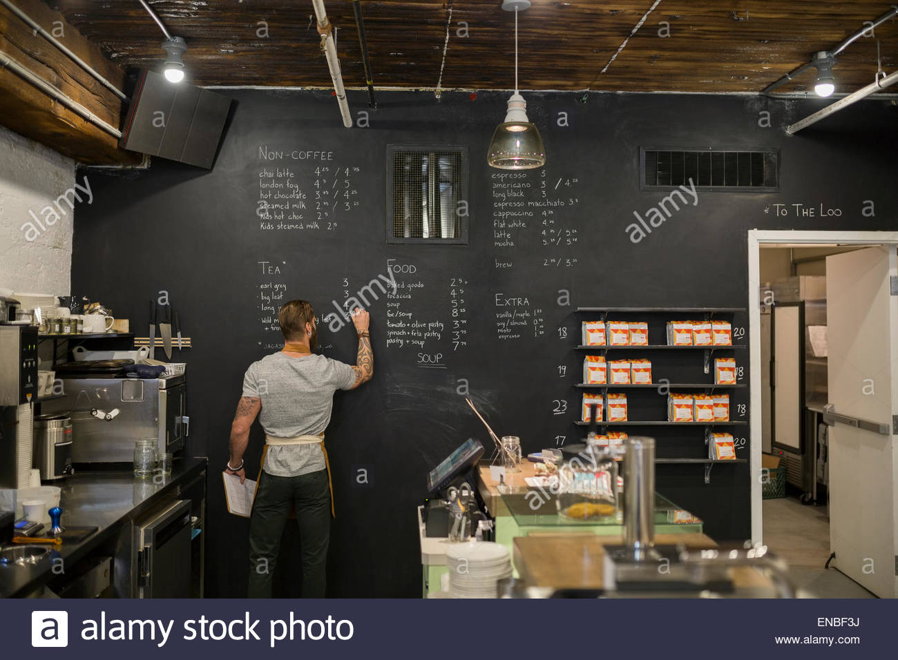 Bilder Für Küchenwände Barista Writing Menu On Coffee Shop Blackboard Wall Stock