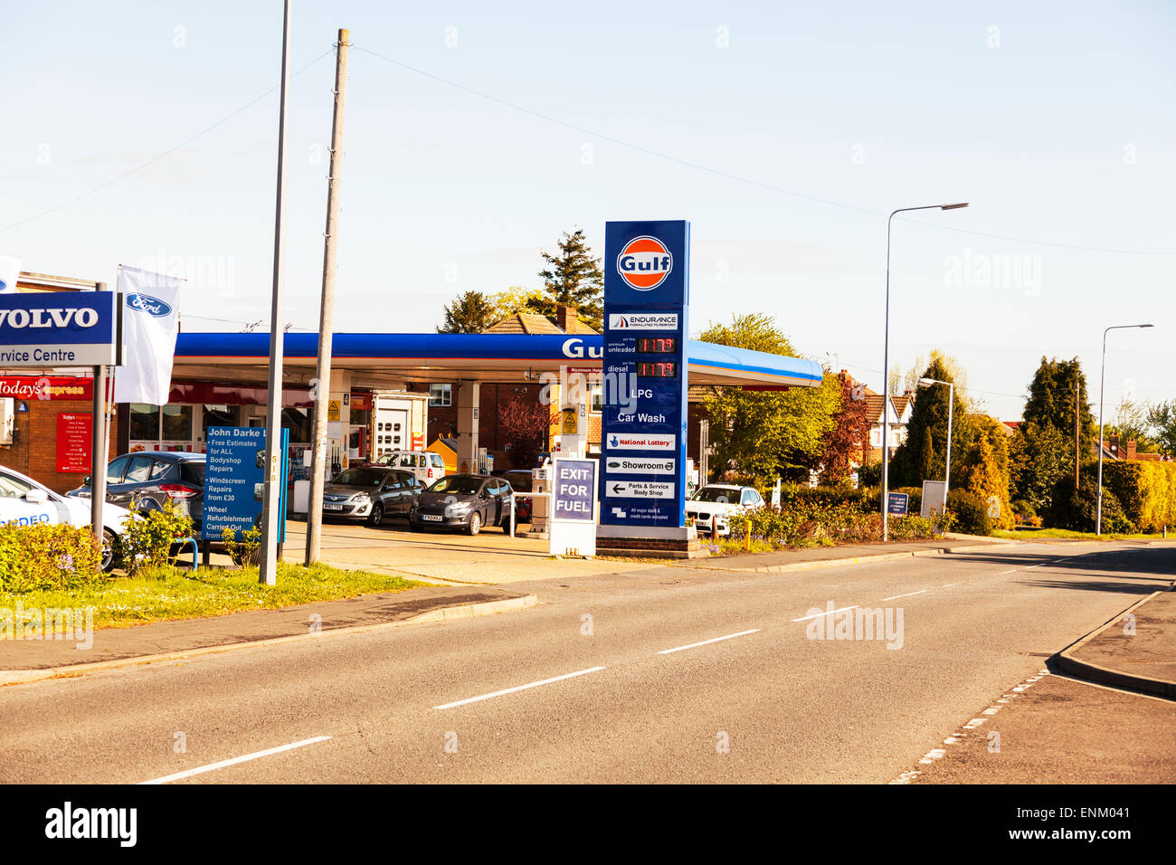 Litre Diesel Gulf Petrol Station Unleaded And Diesel Same Price Per Litre Stock