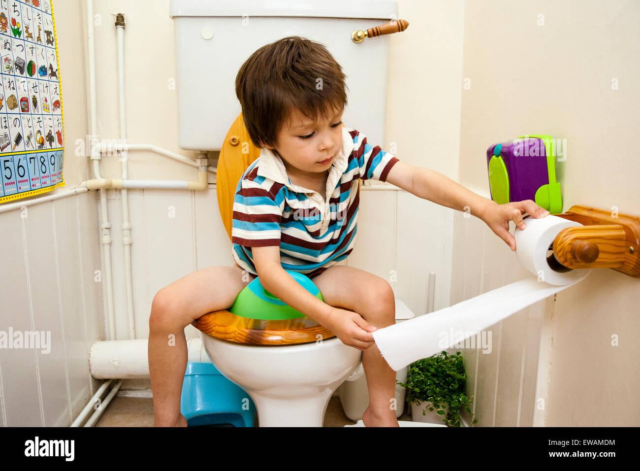 Boy Sitting Toilet Stock Photos Boy Sitting Toilet Stock