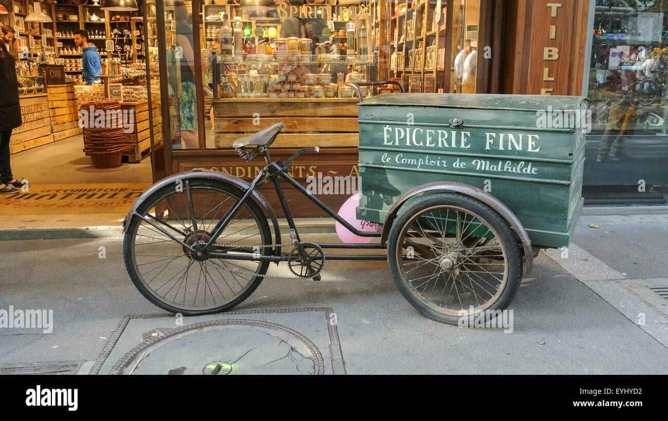 Comptoir De L Or Paris Paris France Vintage Bicycle Delivery In Front Of Gifts Shop